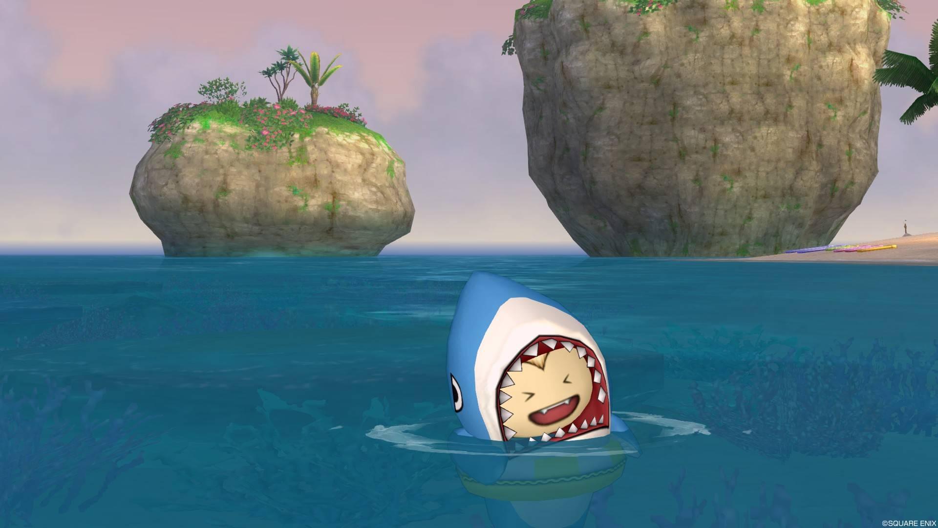 サメきぐるみ-浮き輪で泳ぐ3